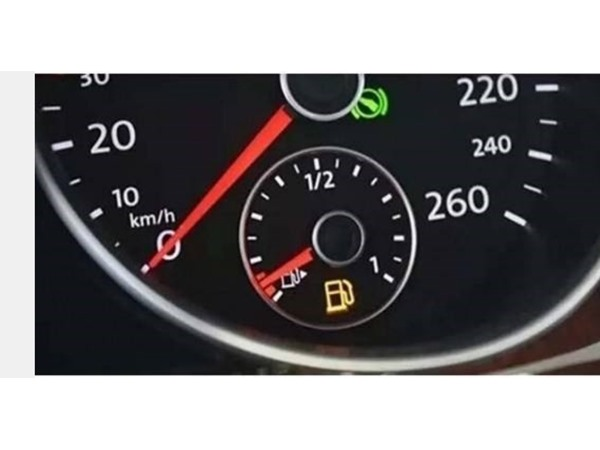 油箱灯亮,车辆还能行驶多远?