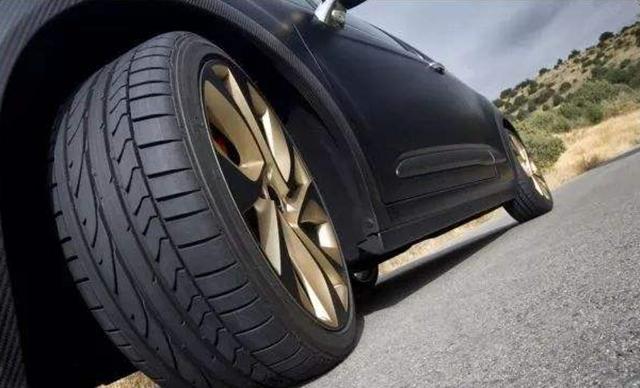 你知道吗?轮胎跑久了必须相互更换位置,否则易爆胎