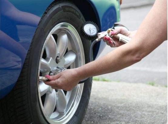 4S店打气轮胎压2.5,这样安不安全?