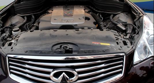 車輛行駛中發動機異常抖動是什么原因?