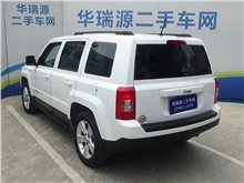 济南Jeep自由客2011款 2.4 运动版