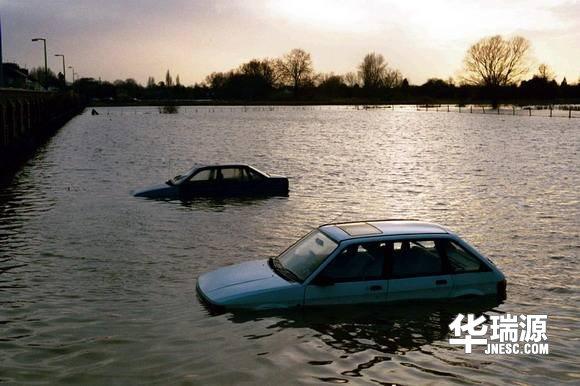 二手车如何辨别事故车和水泡车?